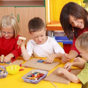 betriebsnahe Kinderbetreuung durch die Familienfreundin