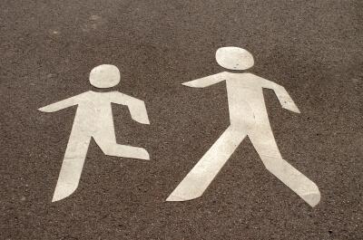 Verkehr  Fußgänger Symbol (c) S. Hofschlaeger / pixelio.de
