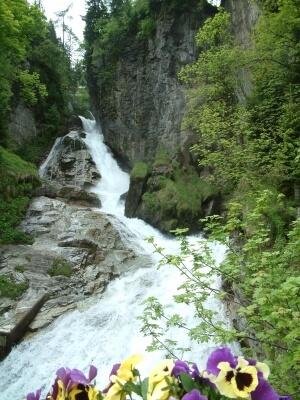 Wasserfall (c) franzpaul / pixelio.de