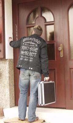 Arbeit | Vertreter an der Tür (c) Siegfried Fries / pixelio.de