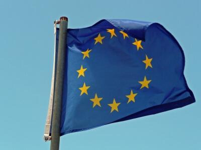 Europafahne (c) Gabi Schoenemann  / pixelio.de