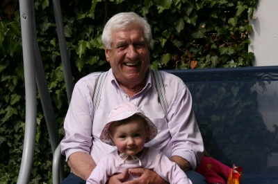 Opa und Enkel (c) Johann Bletgen / pixelio.de