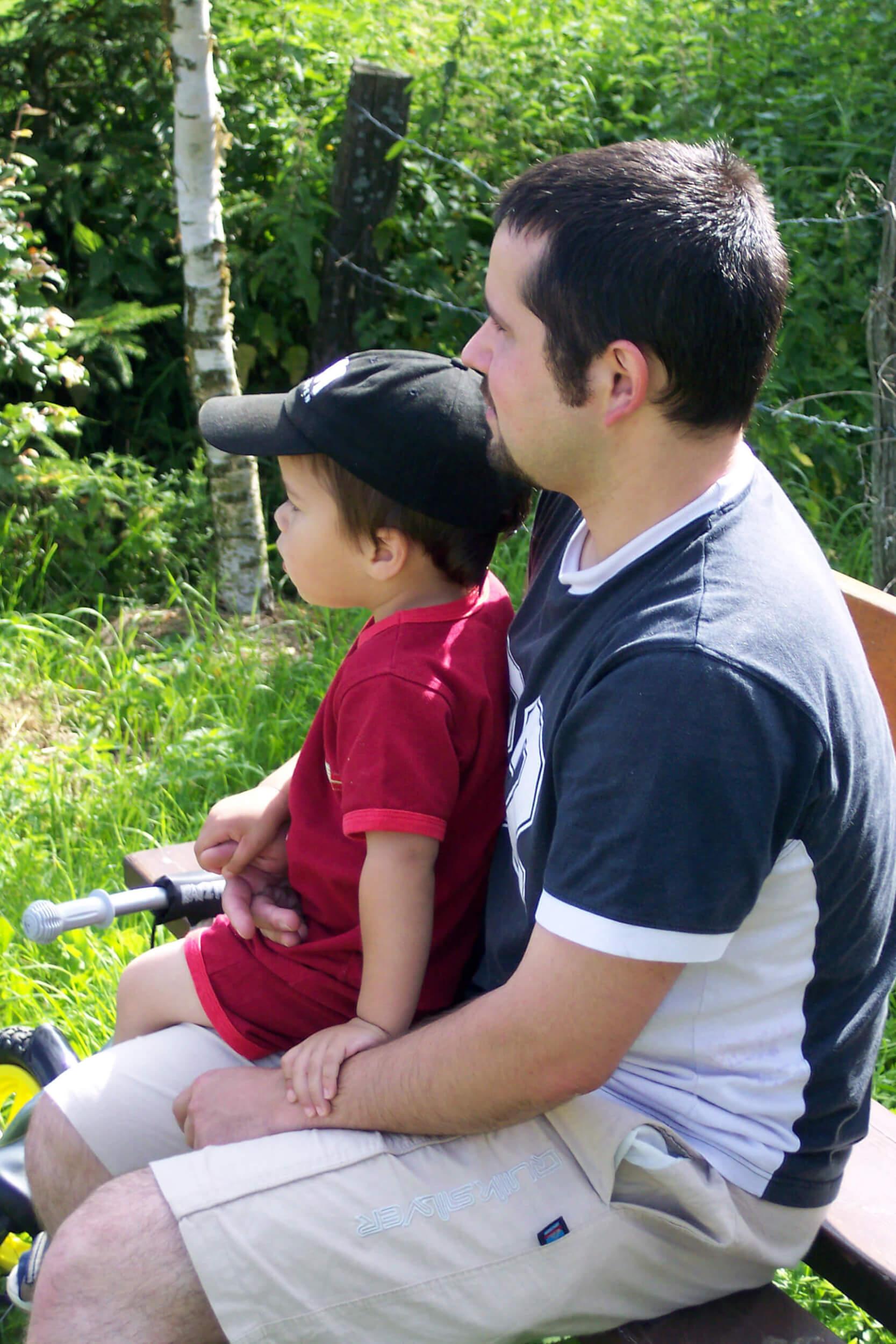 Kind | Vater mit Sohn (c) Maryline Weynand / pixelio.de