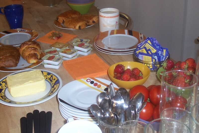 gemeinsames Frühstück als Start in einen gelingenden Tag (c) familienfreund.de