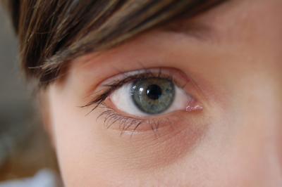 Auge eines jungen Menschen | Nahaufnahme (c) Sebastian Staendecke, ideas-ahead.de / pixelio.de