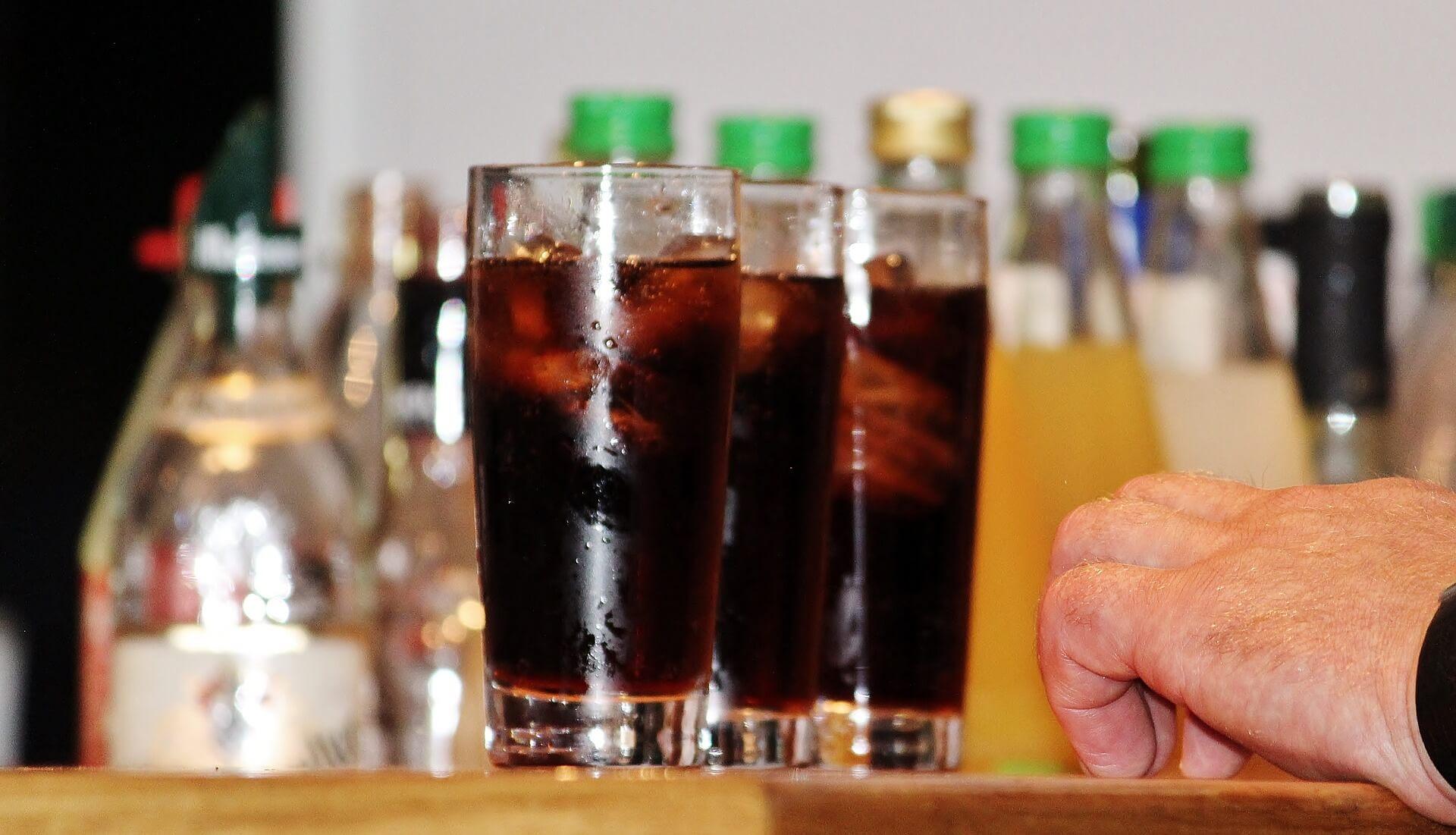 Ernährungsmythos Cola Salzstangen Und Kirschen Wasser