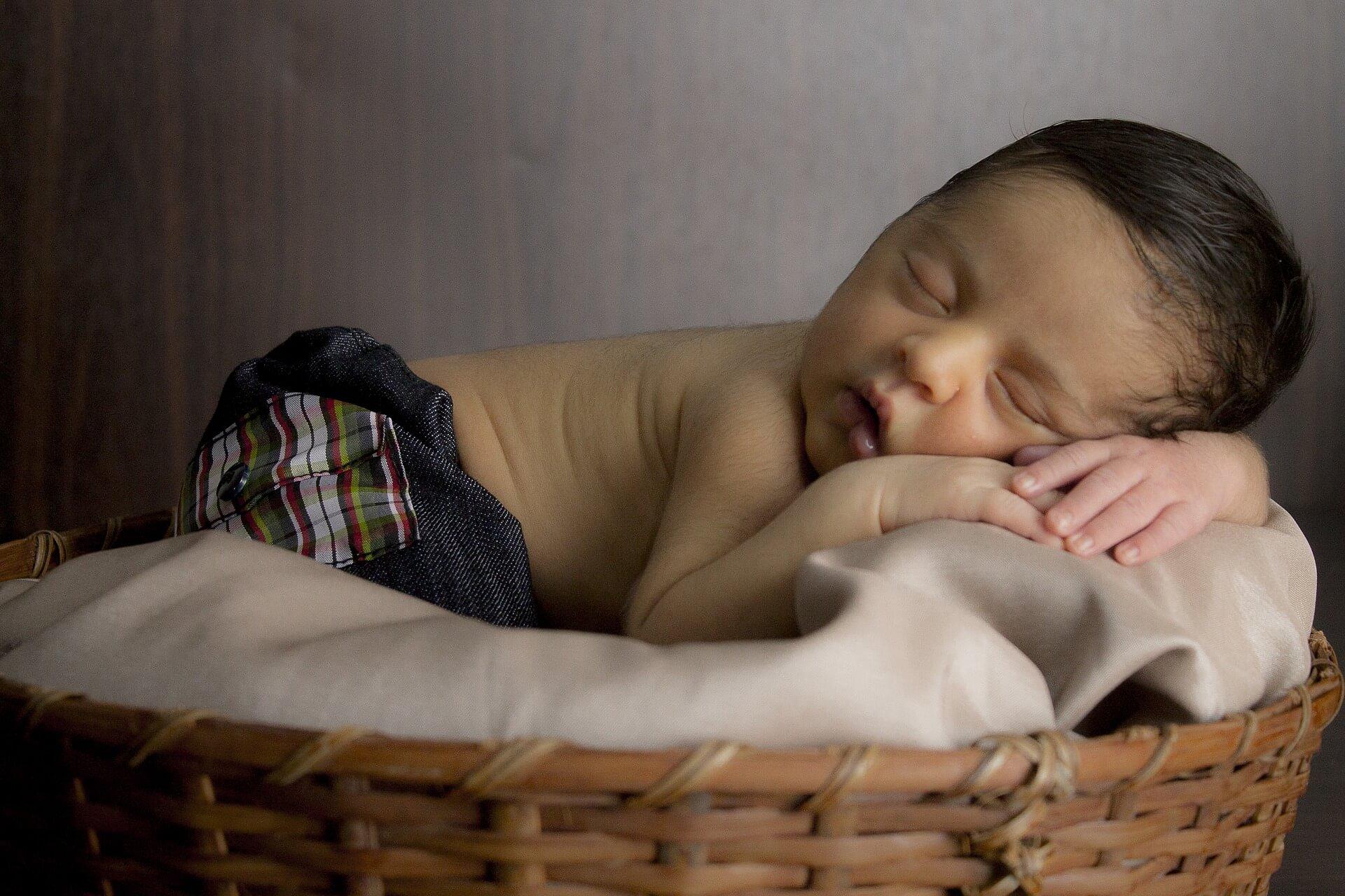 Kinder versichern ist keine Hexerei, wenn man weiß, worauf zu achten ist (c) robertofoto / pixabay.de