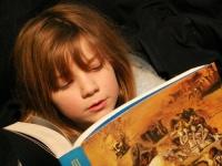 Lesen unterstützt die gesunde Entwicklung