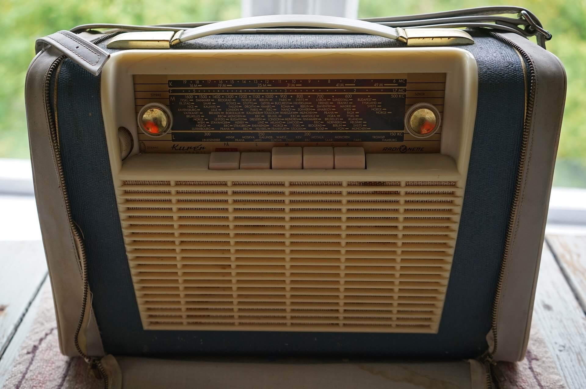 Musik aus dem Radio für gute Laune (c) barni1 / pixabay.de