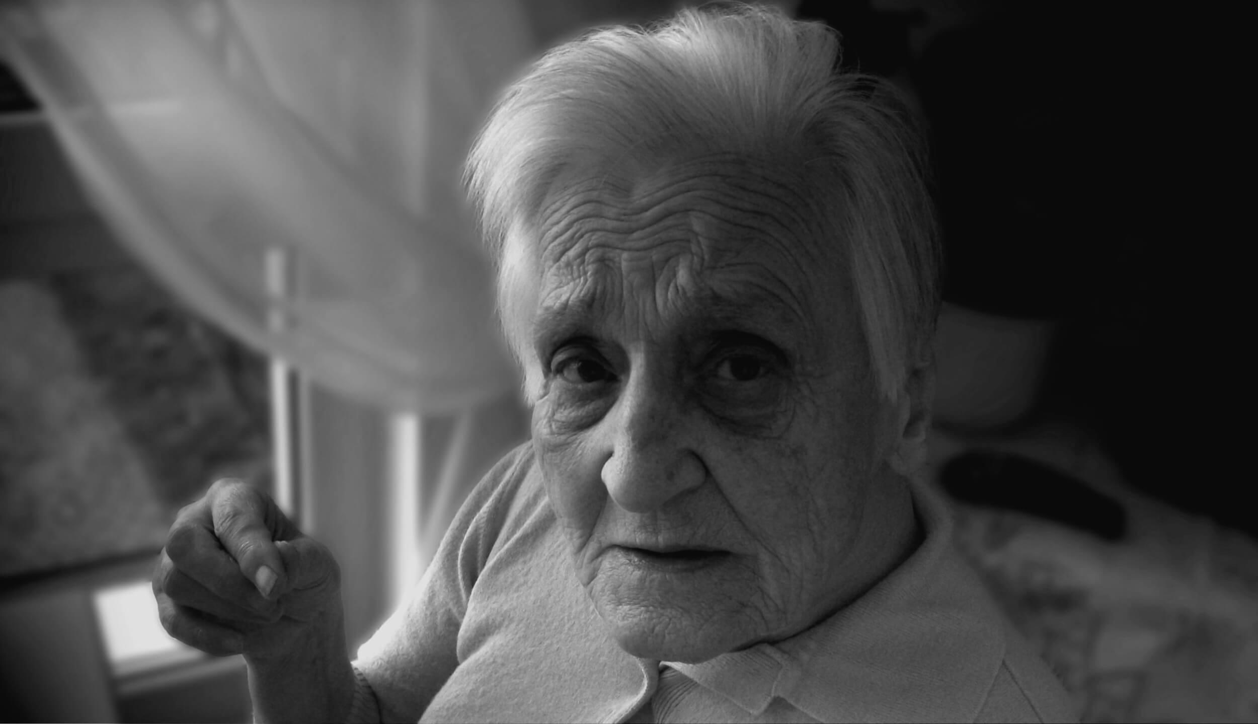 Seniorin mit Demenz (c) Gerd Altmann / pixabay.de
