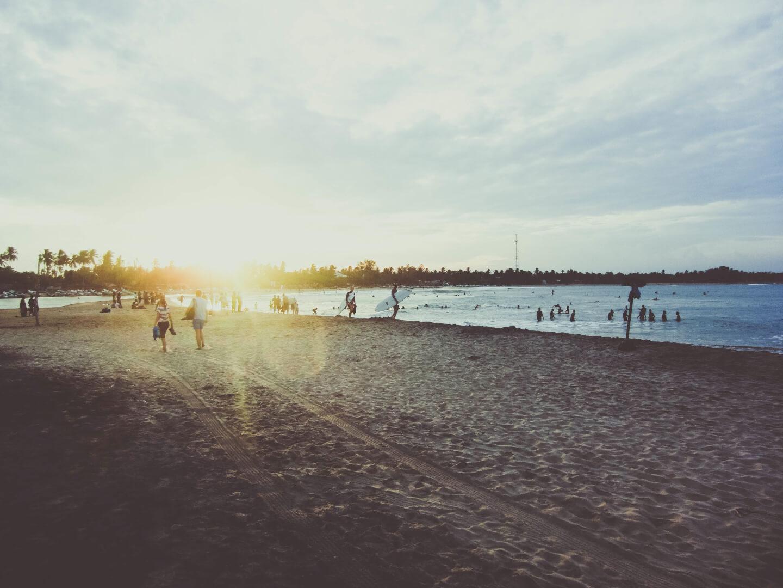 Sonne Strand Menschen (c) unsplash / pixabay.de