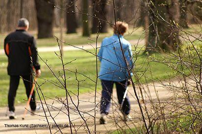 Sport | Nordic Walking (c) thomas kunz / pixelio.de