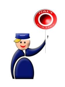 Verkehr | Spielfigur als Polizist mit Stopschild (c) gerd altmann / pixelio.de