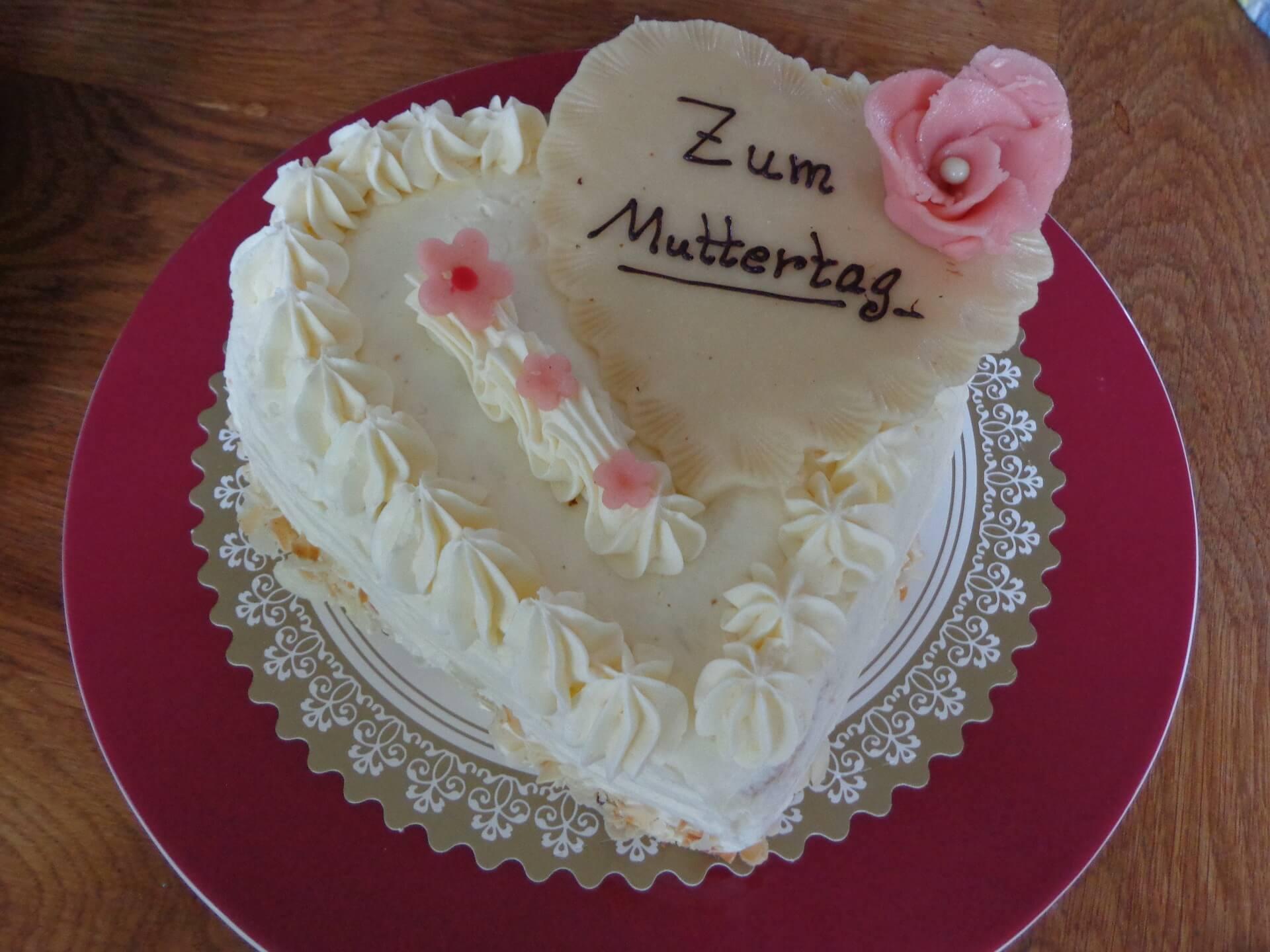 Torte zum Muttertag (c) Madrilena / pixabay.de