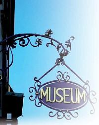 museumsschild (c) m. hauck / pixelio.de