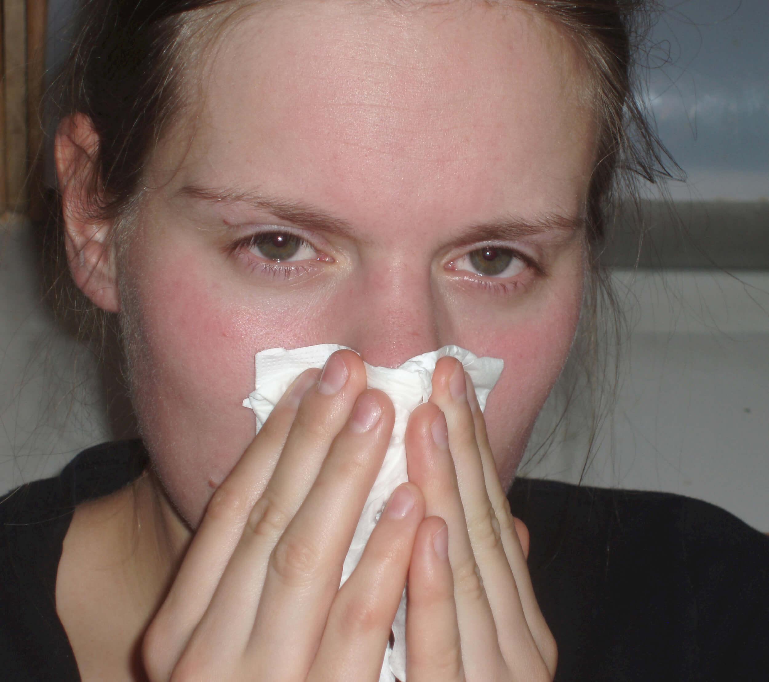 Erkältung Schnupfen (c) Maria Lanznaster / pixelio.de