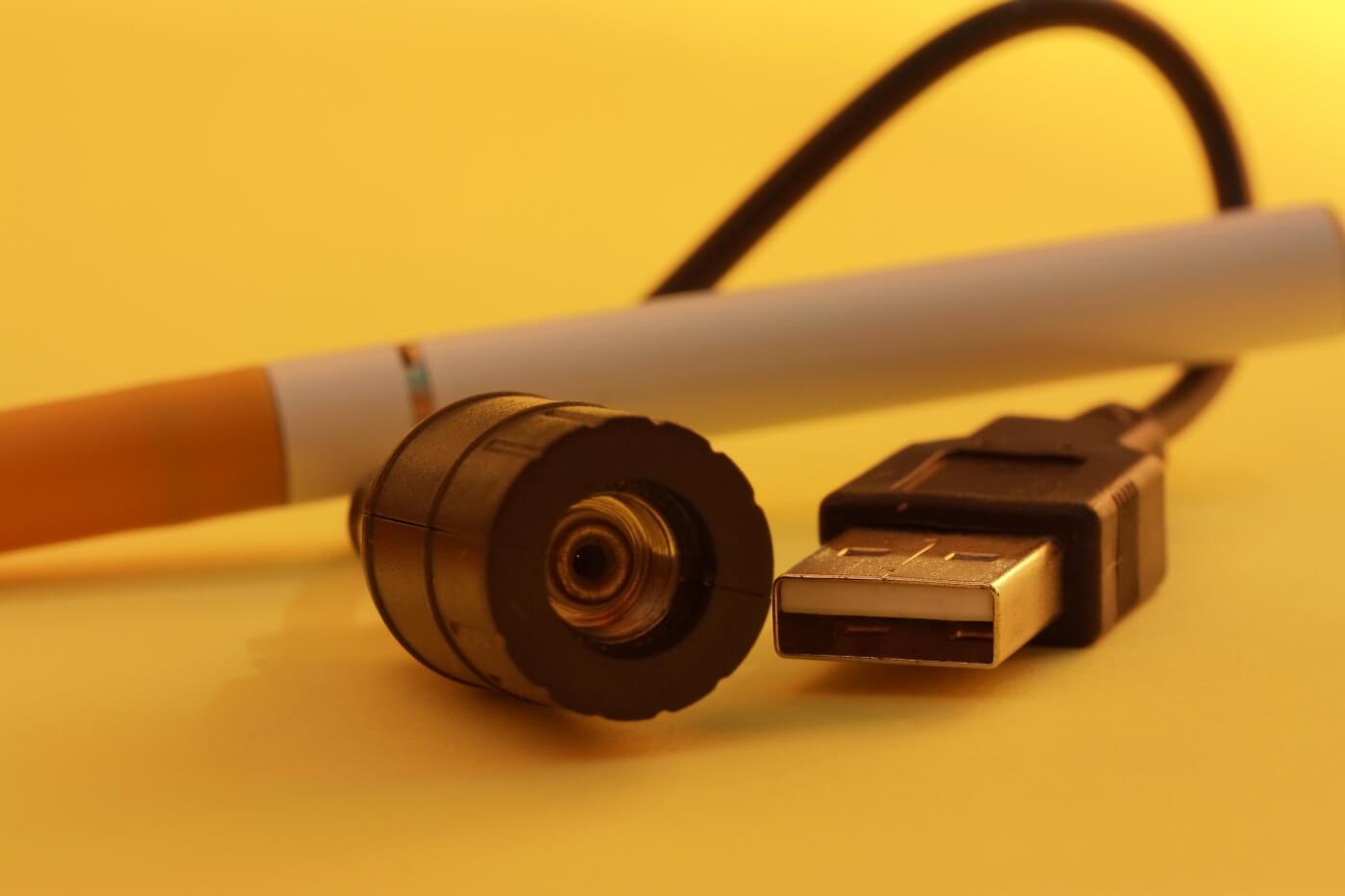 e-Zigarette (c) Gisela Peter / pixelio.de