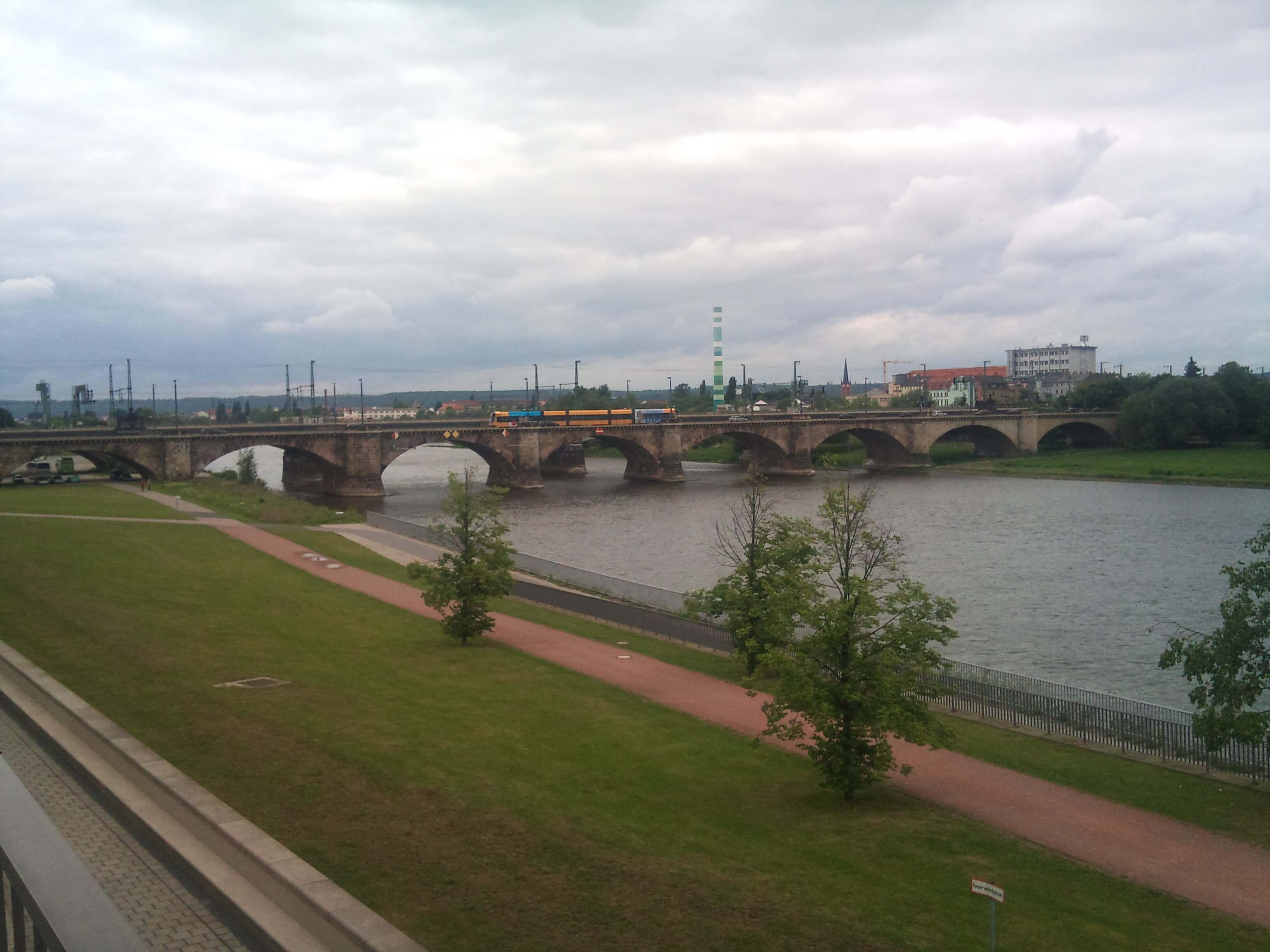 Reise | Elbe in Dresden (c) familienfreund.de