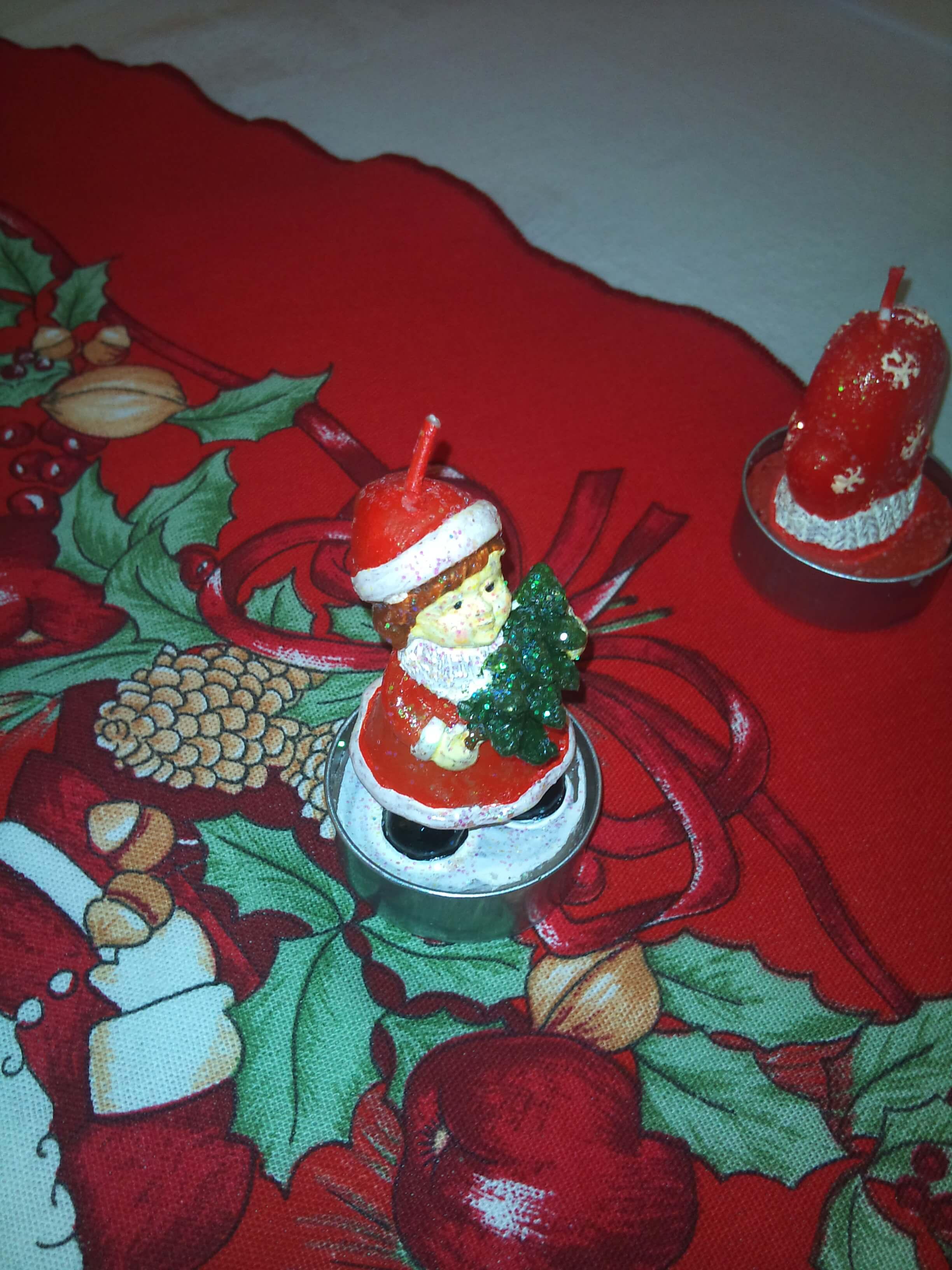 Weihnachtstischdecke (c) familienfreund.de