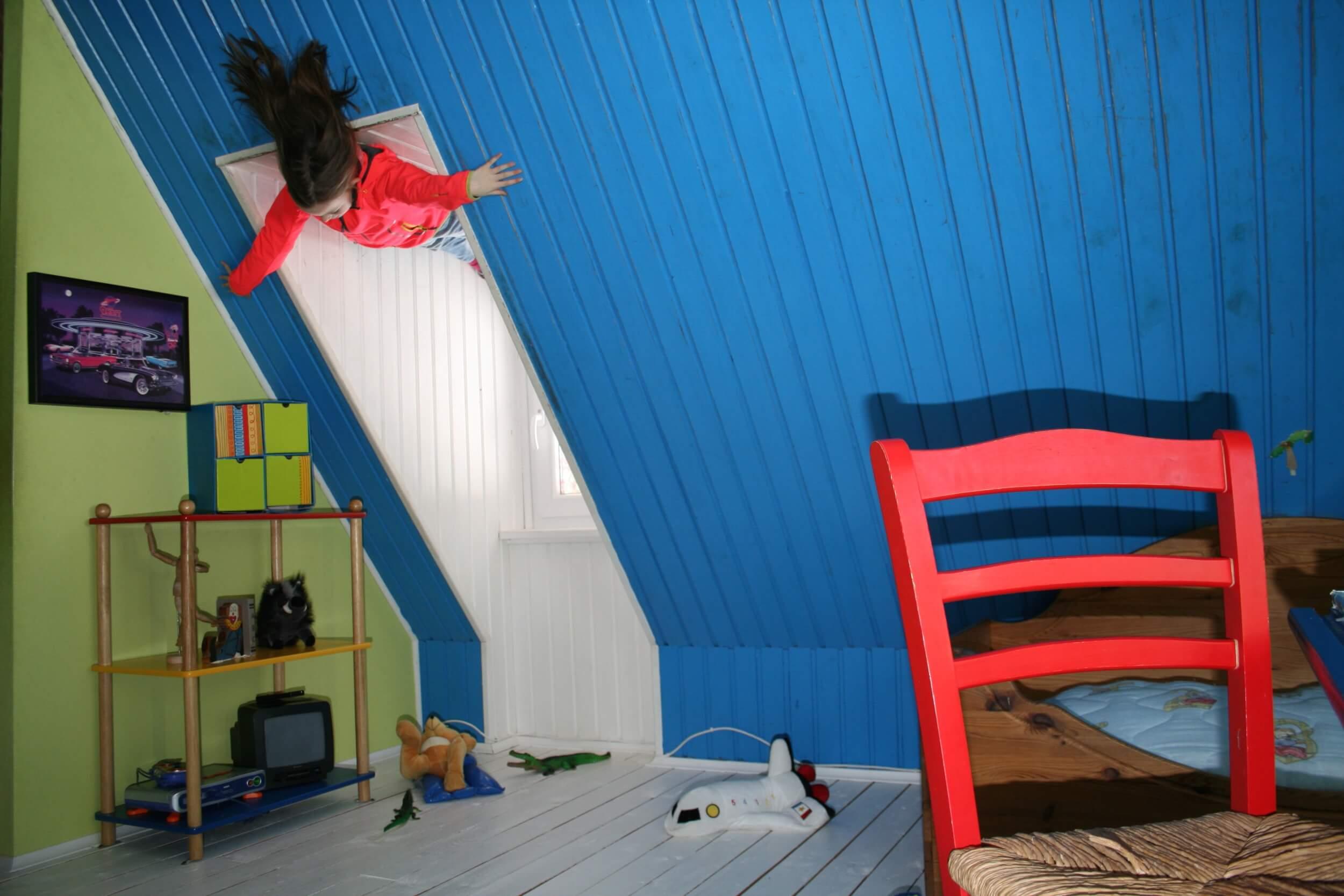 Einrichtung des Kinderzimmer ohne Gefahrenquellen (c) modi74 / pixabay.de