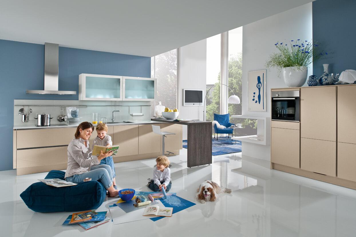 Kochen und Backen mit Kindern macht in der Familienküche Spaß (c) Küche&Co.