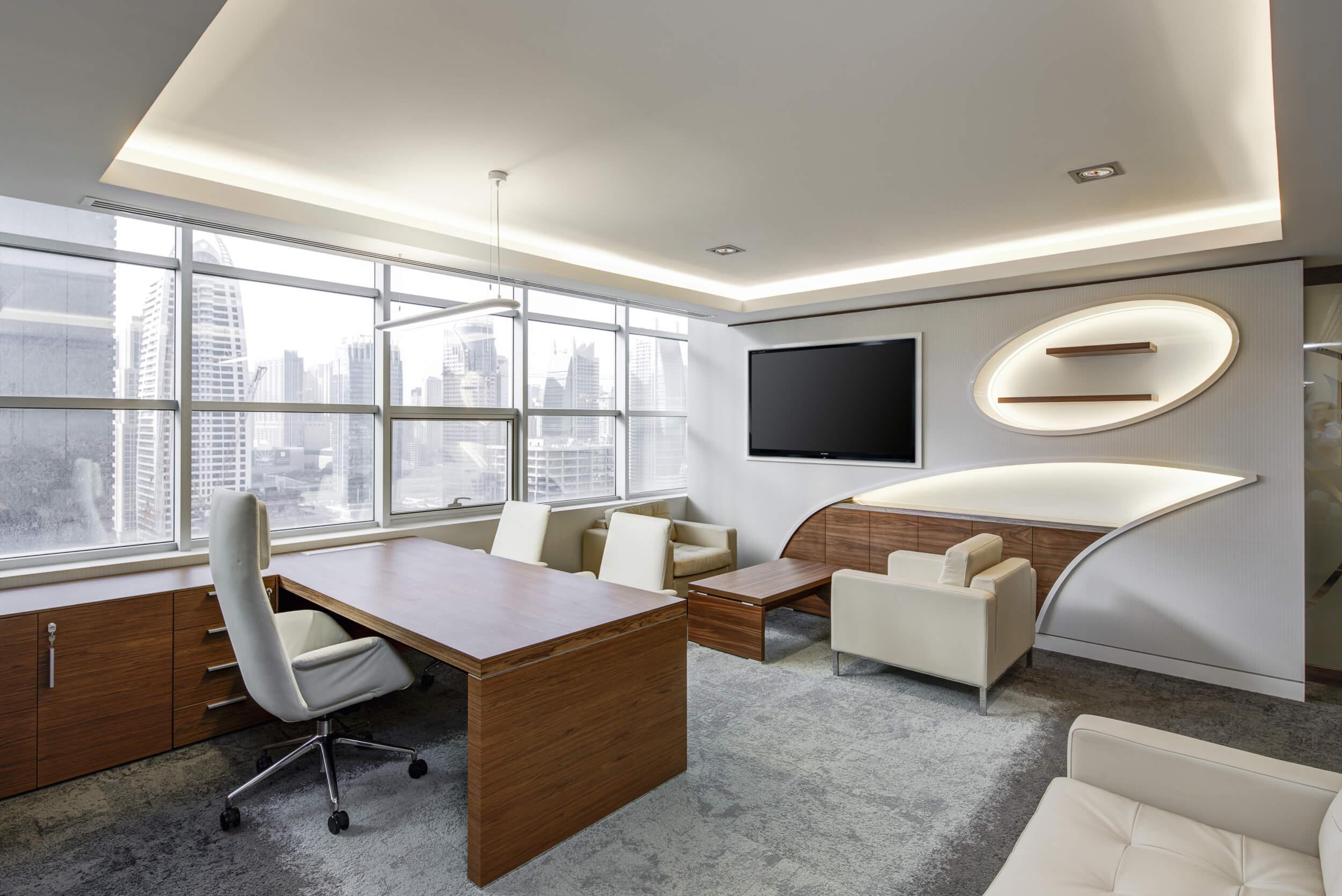 Mit stylischen Büromöbeln unterstützen Arbeitgeber die Mitarbeiterbindung (c) MagicDesk / pixabay.de
