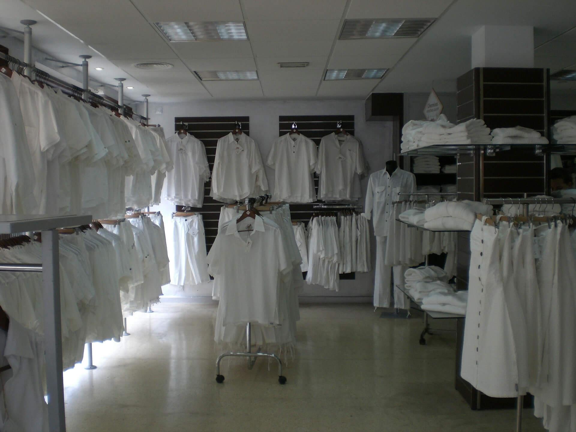 Arbeitsbekleidung bindet Ihre Mitarbeiter (c) sallina13 / pixabay.de